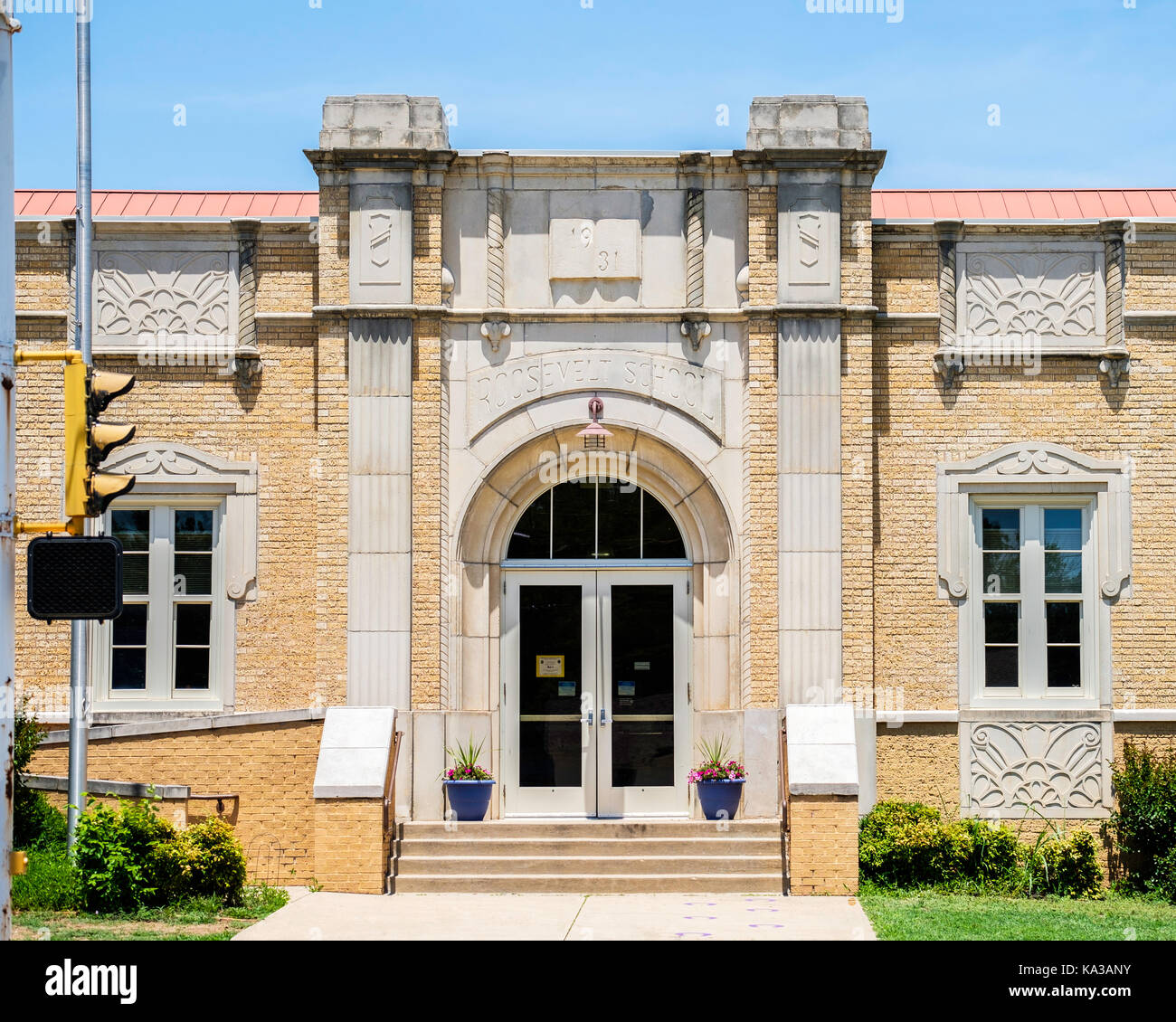 Riverside elementary school, built in the Collegiate Gothic style in 1931. 815 E. Highland Avenue, Ponca City, Oklahoma, Stock Photo