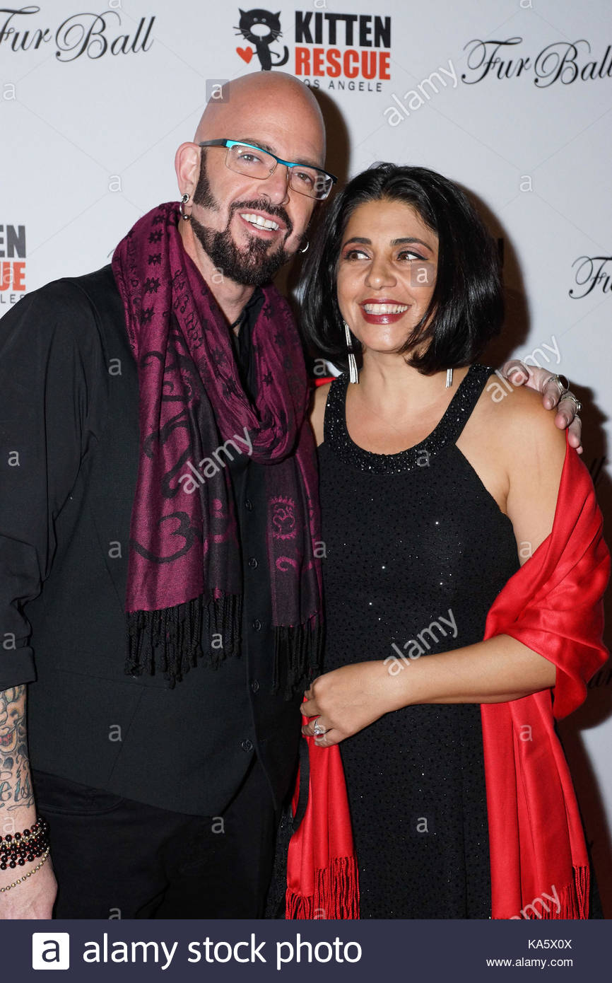 Jackson galaxy and minoo rahbar 39 fur ball at the skirball for Jackson galaxy images