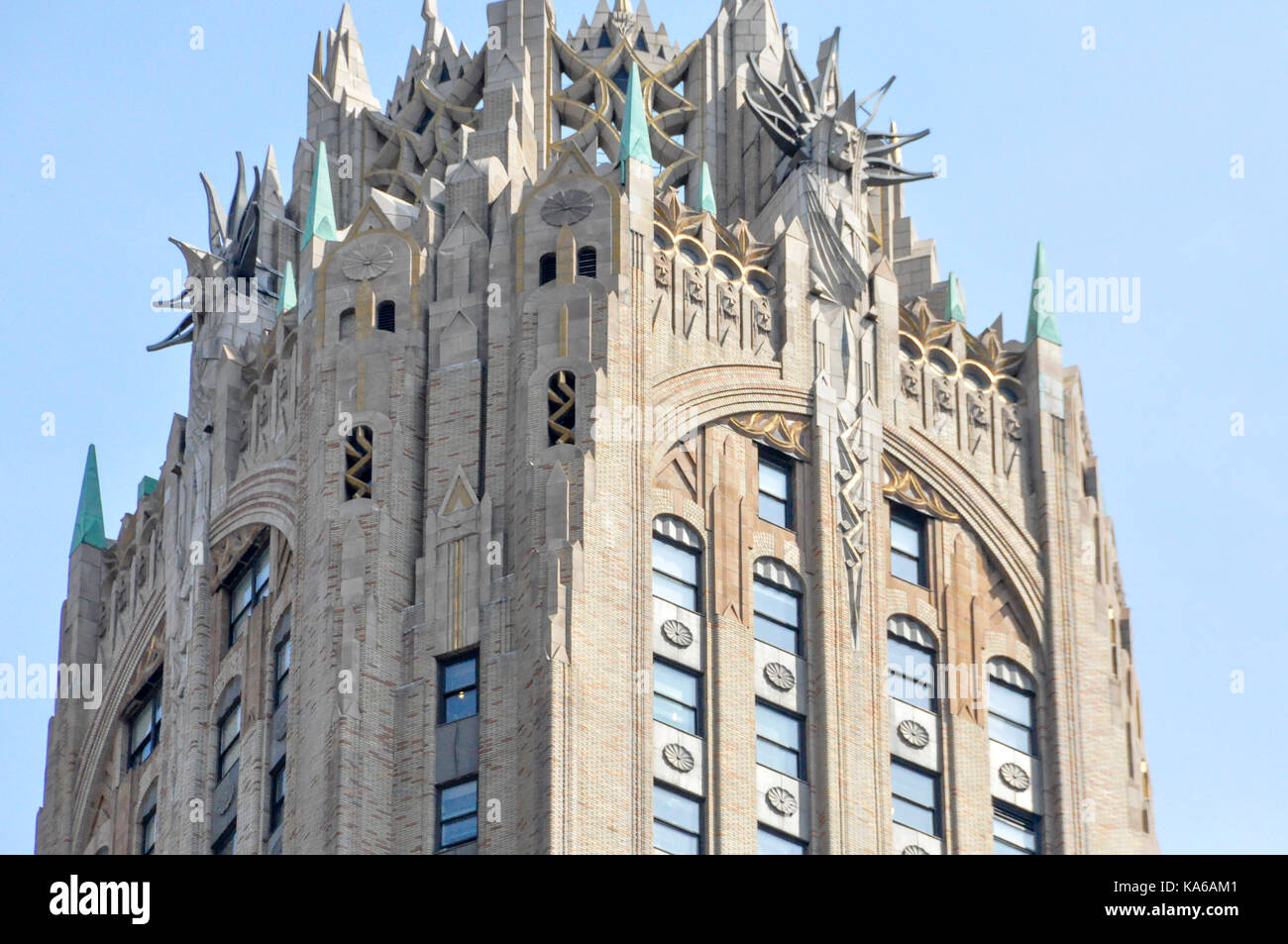 The Art Deco And Gothic Crown Of The General Electric Building On Lexington  Avenue, Manhattan