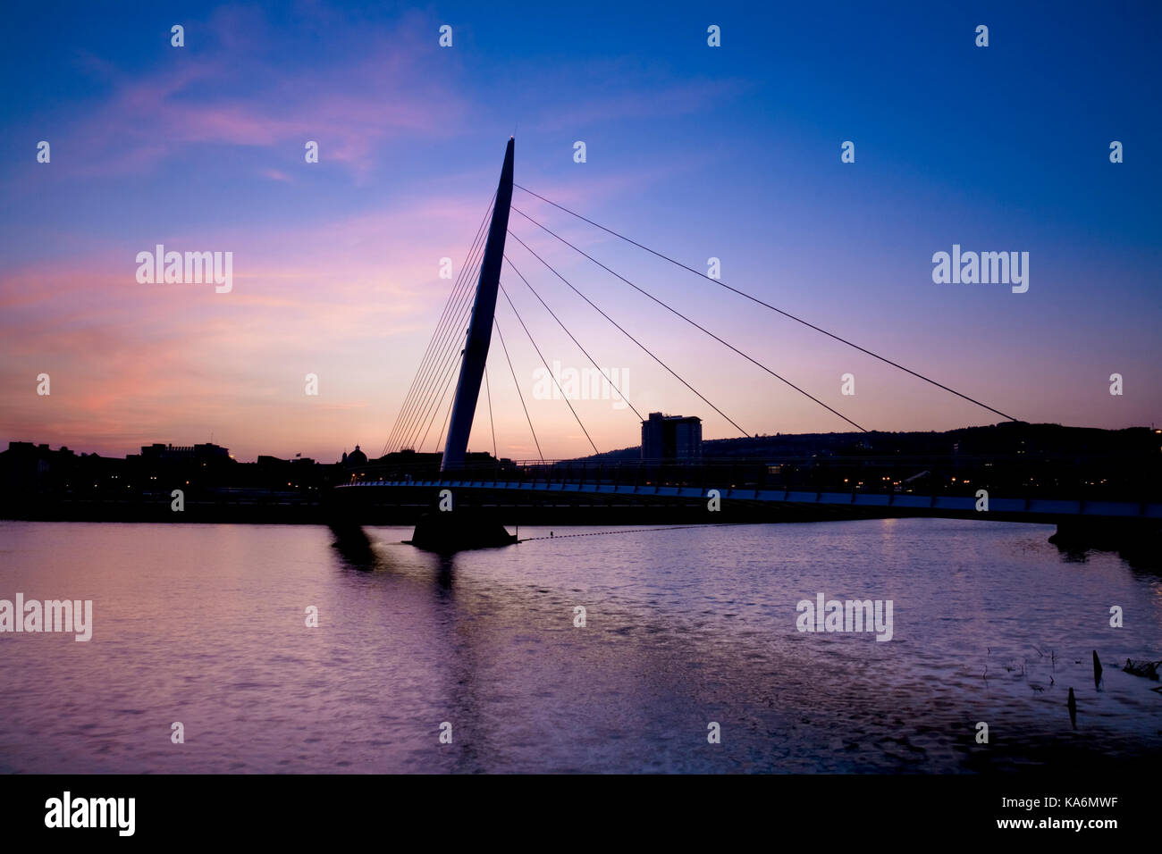 Silhouette of 'Sail Bridge' in Swansea, Wales, UK. - Stock Image