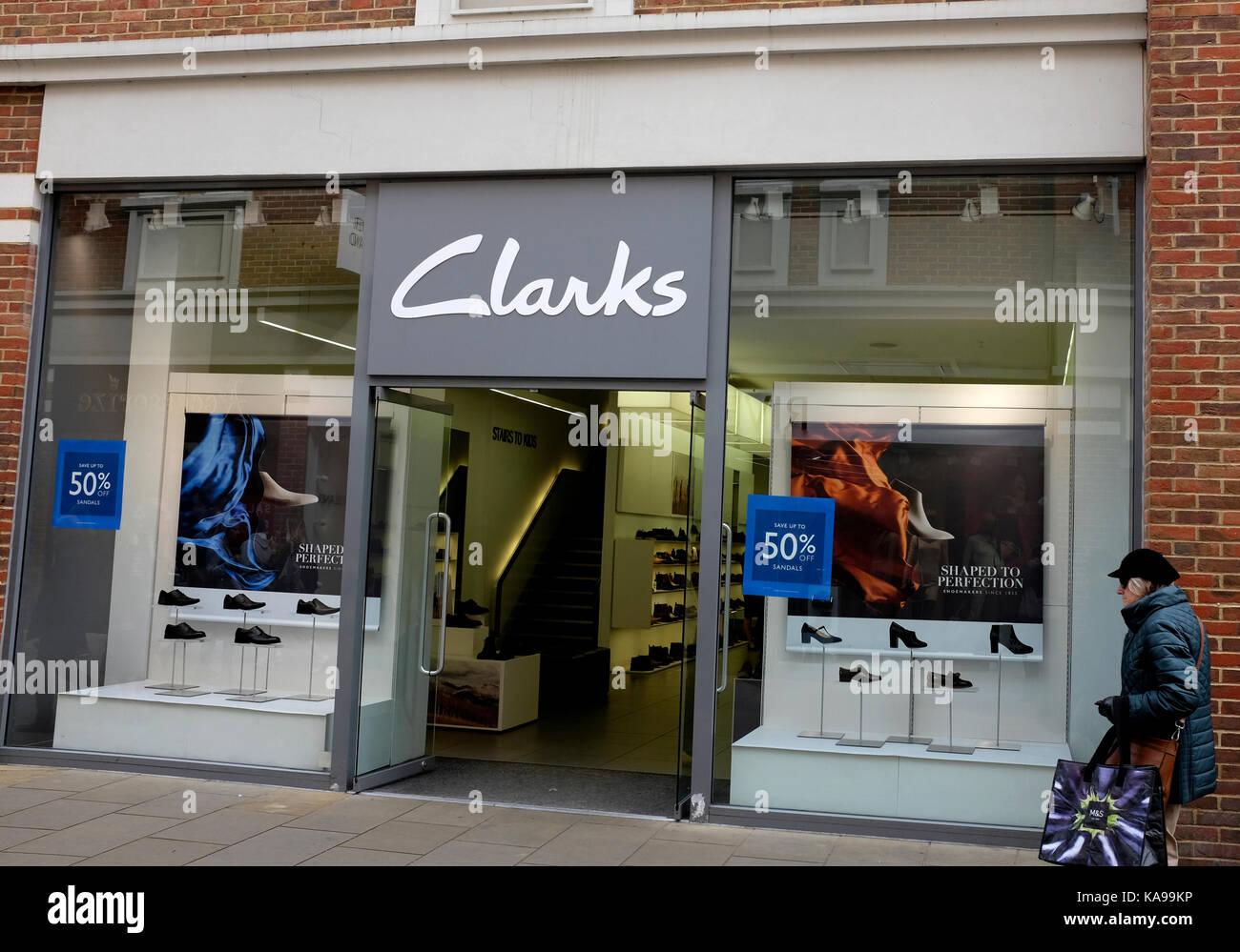 Pesimista Península Pensativo  clarks retail shoe shop in city of canterbury kent uk september 2017 Stock  Photo - Alamy