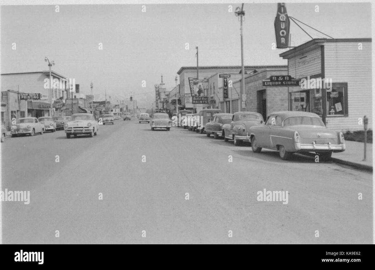 Fourth Avenue in 1953, looking east from near I Street. Just ten years before, the retail area shown in the foreground - Stock Image