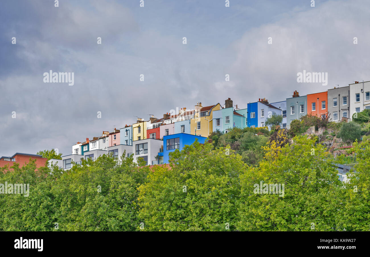 BRISTOL ENGLAND THE CITY CENTRE AND HARBOUR ON THE RIVER AVON AT HOTWELLS DOCKSIDE  THE WESTERN DOCKYARD LOOKING - Stock Image