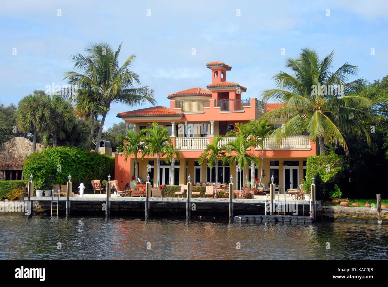 Riverside dwelling, Fort Lauderdale, Florida, USA Stock Photo