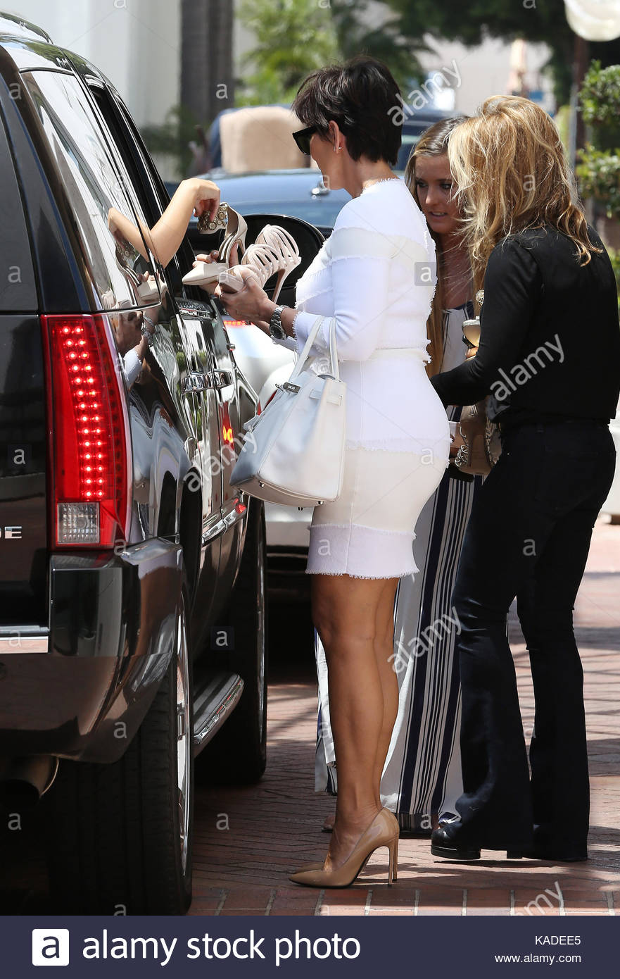 Kris Jenner Picking Out Wedding Shoes For Kim Kardashian As She Sits Inside  Her Limo At Neiman Marcus.