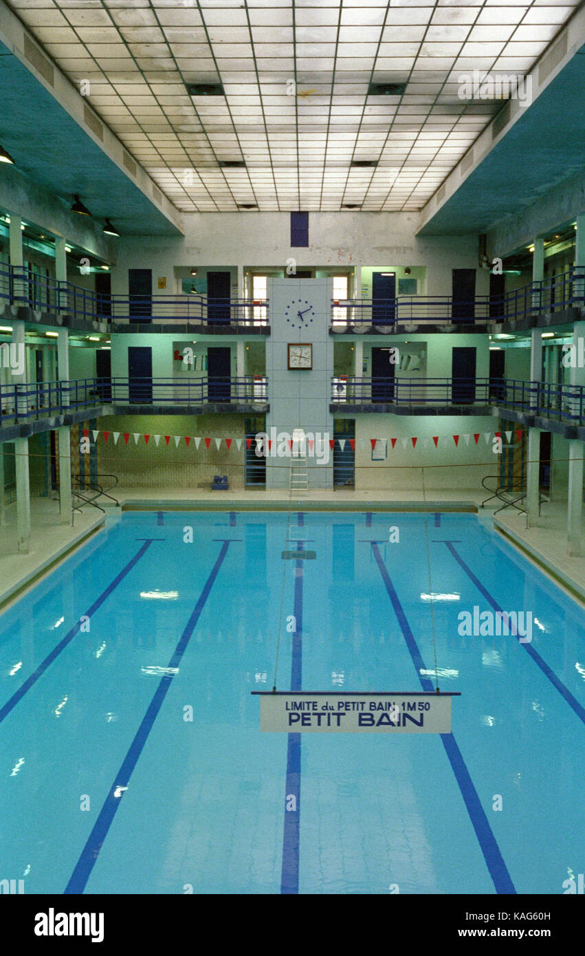 french art deco swimming pool paris pantin piscine leclerc pantin stock photo 161395825 alamy. Black Bedroom Furniture Sets. Home Design Ideas