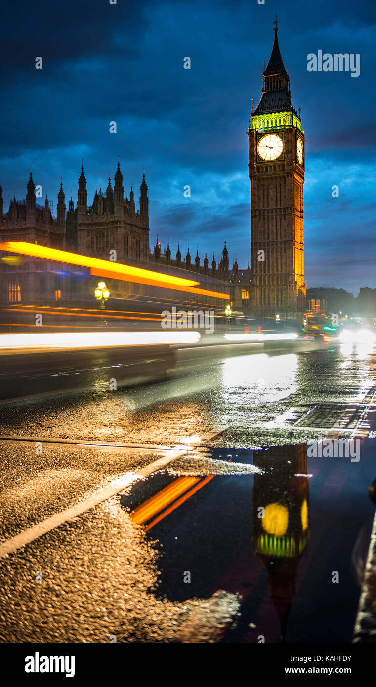 Traces of light, Taxi in the evening, Westminster Bridge, Palace of Westminster, Houses of Parliament, Big Ben with Stock Photo