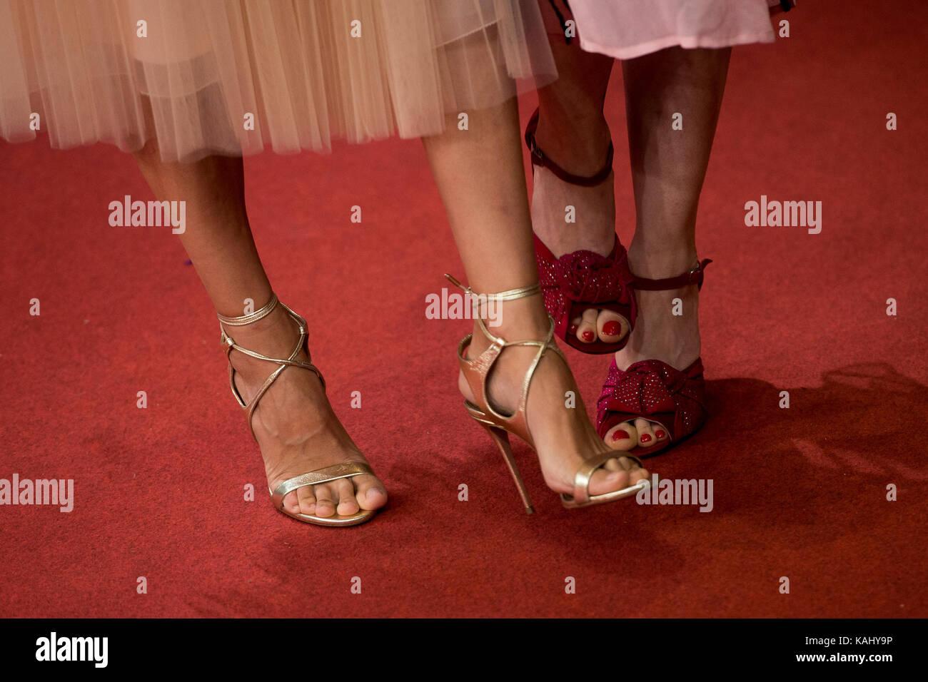 Anaya feet elena Antonio Blog: