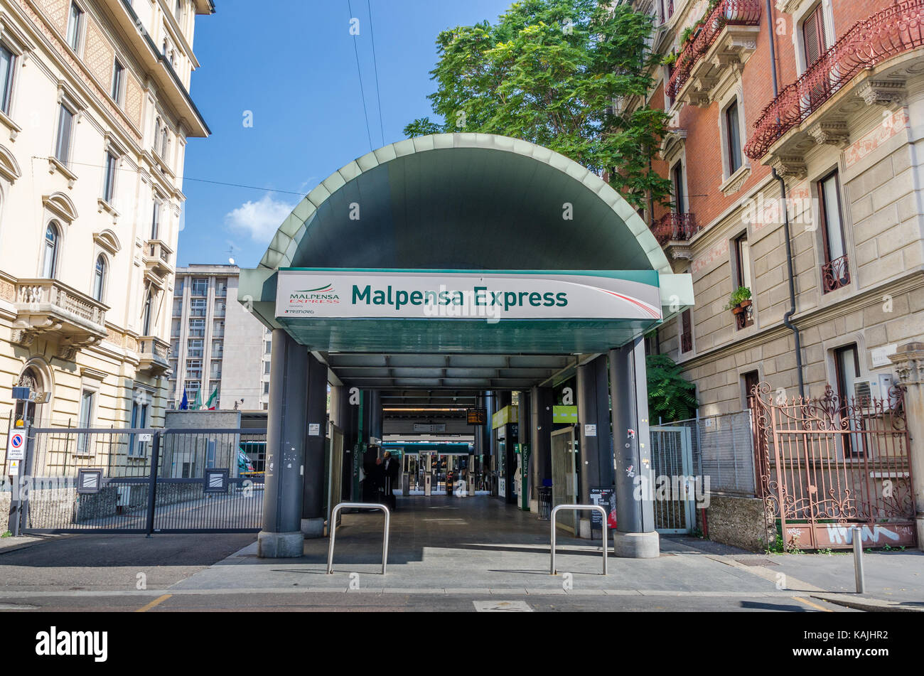 Entrance to the Malpensa Express train in Cadorna rail station in Milan, Lombardy, Italy - Stock Image