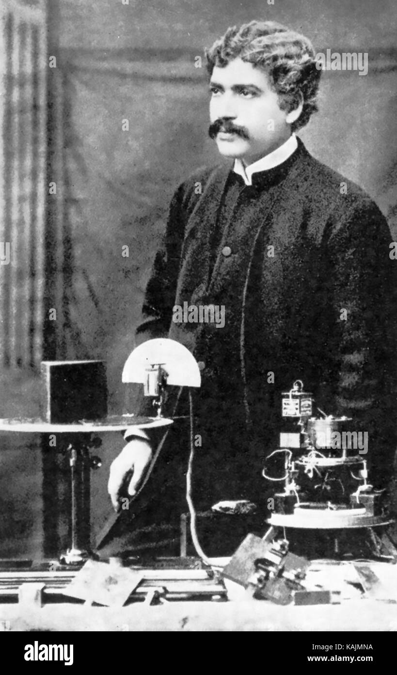 JAGADISH CHANDRA BOSE (1858-1937) Begali scientist at the Royal Institution, London, in 1894 - Stock Image
