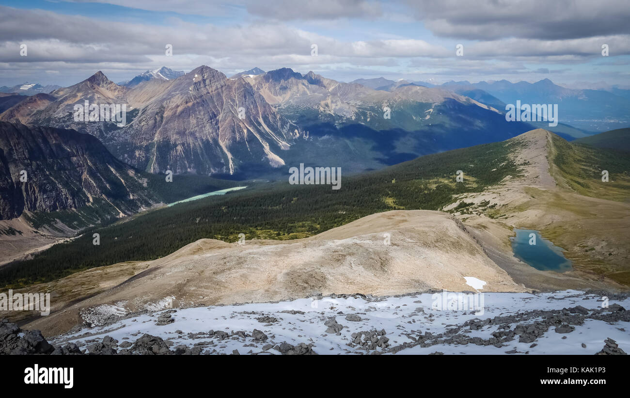 View over mountain ranges in Jasper National Park, Alberta, Canada. - Stock Image