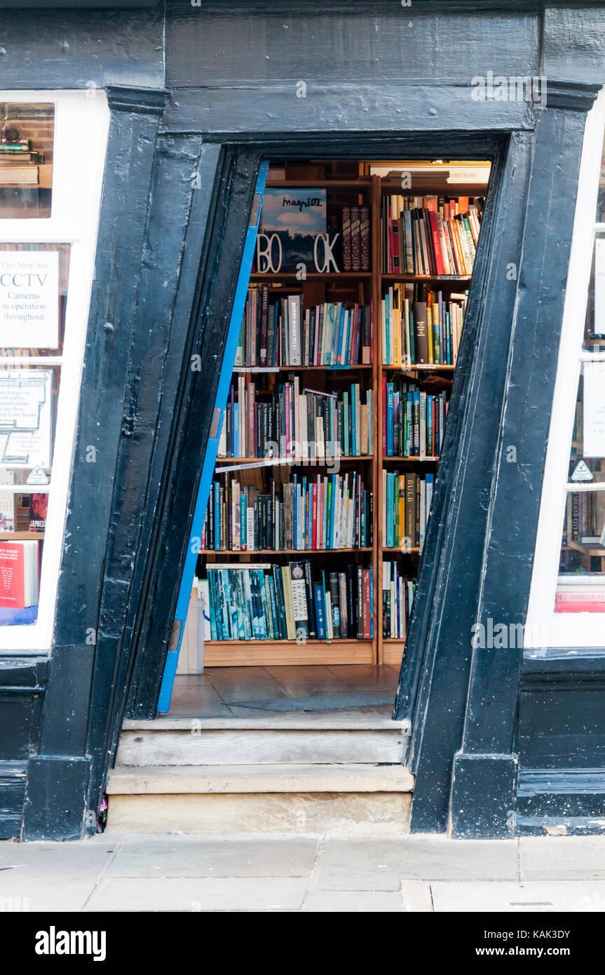 The slanting door of the Old Kingu0027s School Shop in Canterbury now a bookshop. & Slanting Door Stock Photos u0026 Slanting Door Stock Images - Alamy