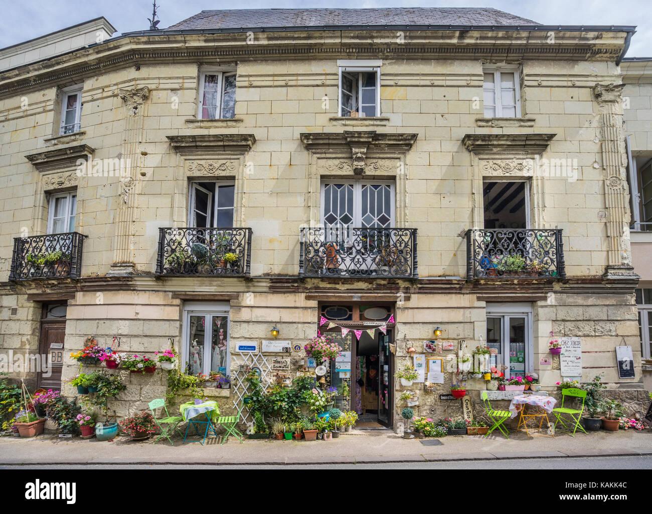 France, Maine-et-Loire department, Pays de la Loire, Fontevrault, Chez Teresa idyllic restaurant - Stock Image