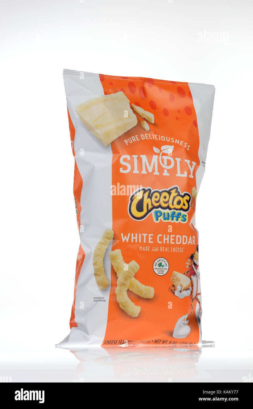 Bag of Frito-Lay Simply Cheetos cheese Puffs - Stock Image