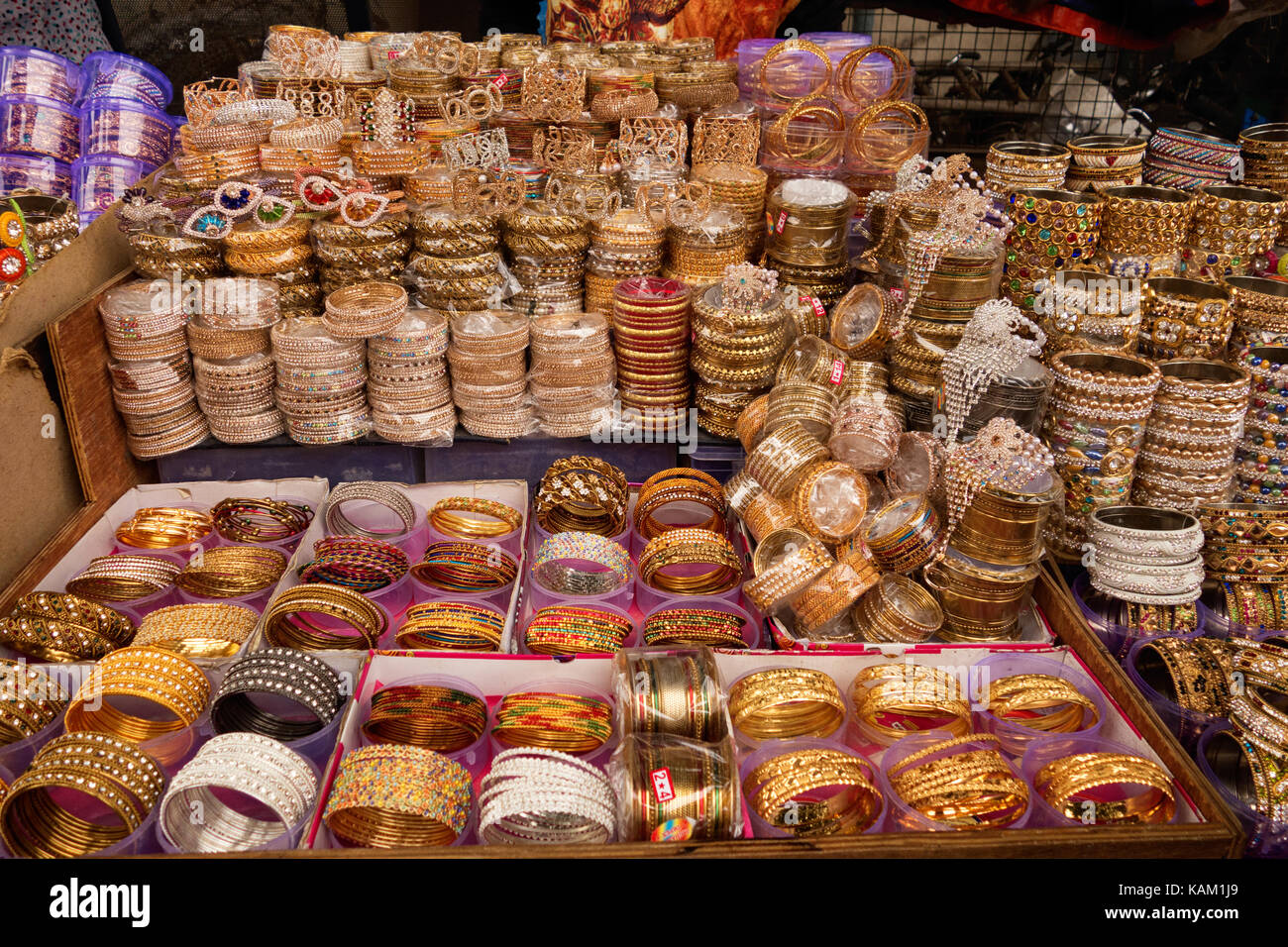 Bangles for sale at Lad Bazaar in Hyderabad,India - Stock Image