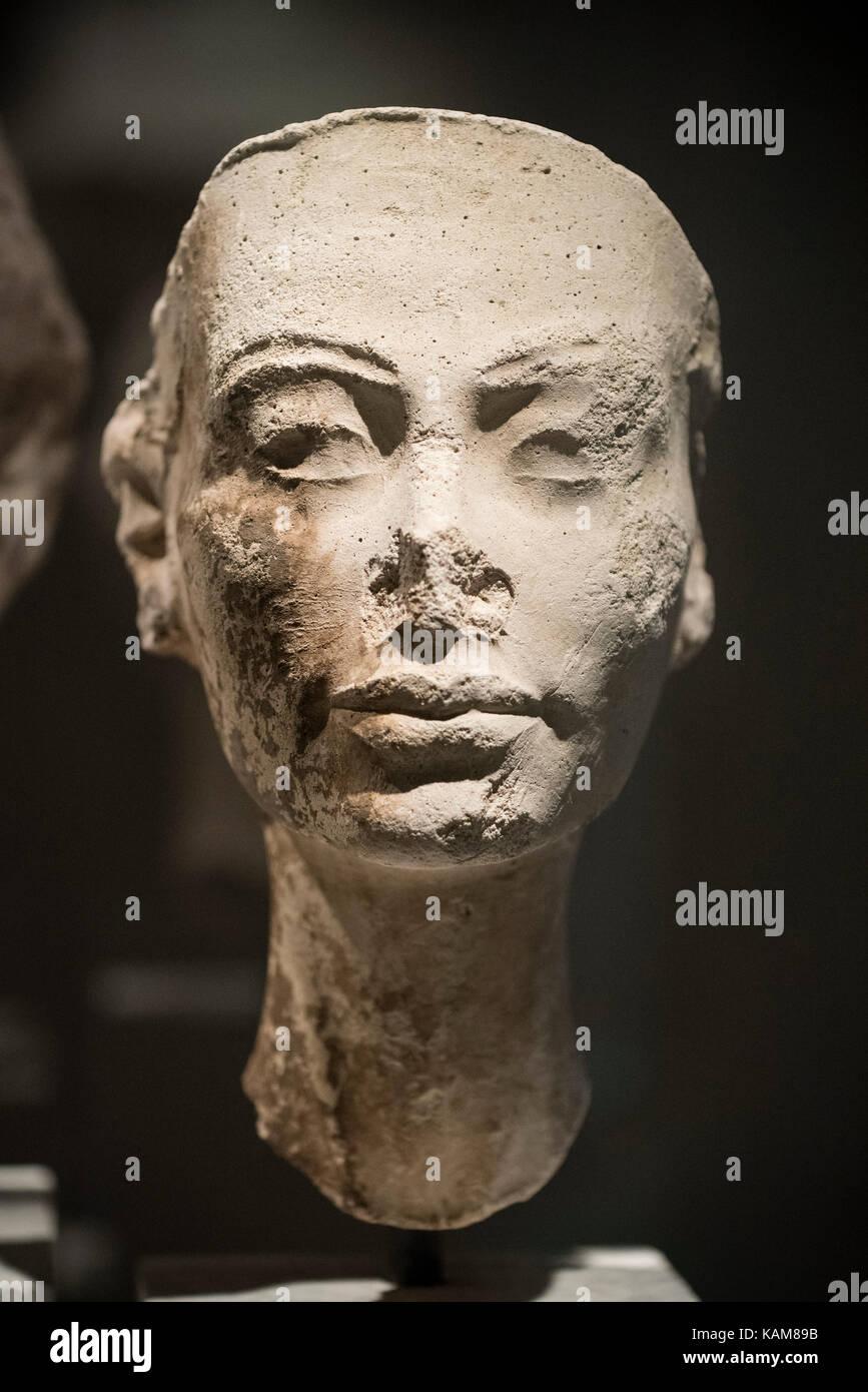 Nefertiti 14th Century Bc Egyptian Queen Stock Photos & Nefertiti