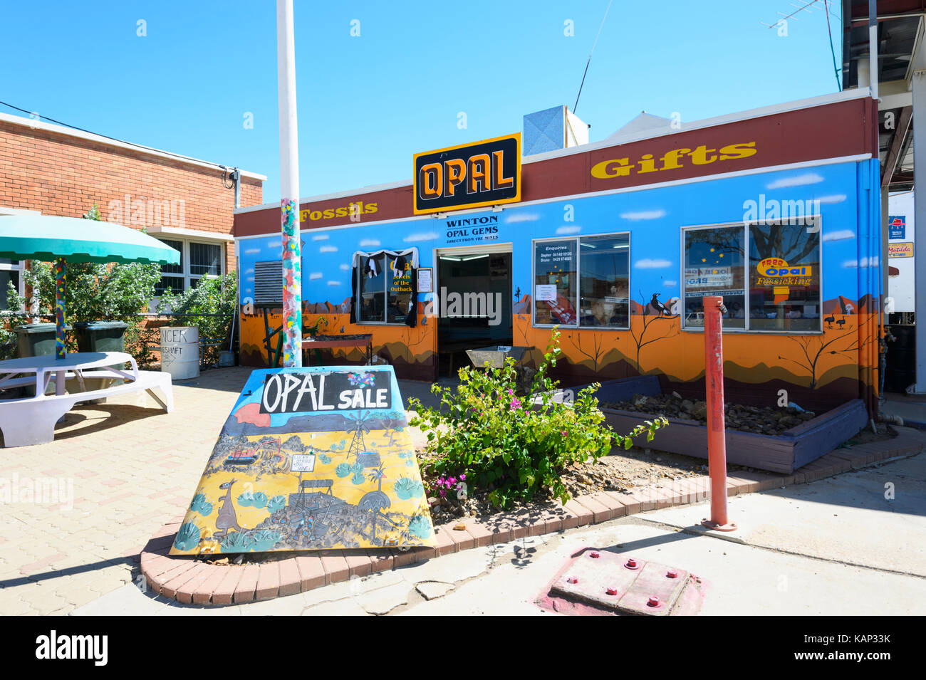Opal shopfront in the small rural town of Winton, Queensland, QLD, Australia - Stock Image