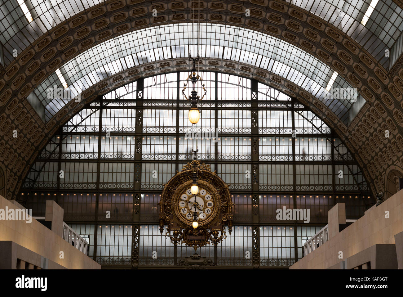 Musée d'Orsay Clock, Victor Laloux, Main Hall , Paris - France Housed in the former Gare d'Orsay, a Beaux-Arts railway Stock Photo