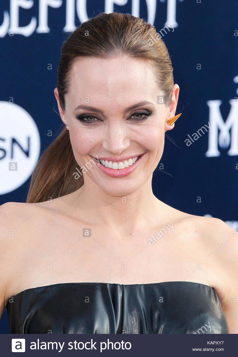 Angelina Jolie Pink Hair