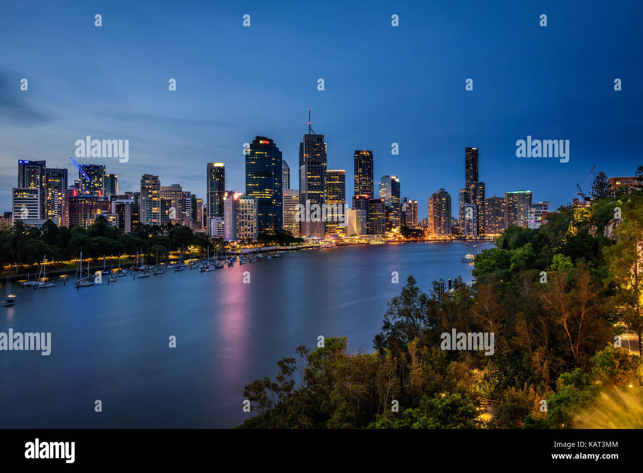 Night skyline of Brisbane city and Brisbane river  from Kangaroo Point Cliffs, Queensland, Australia. - Stock Image