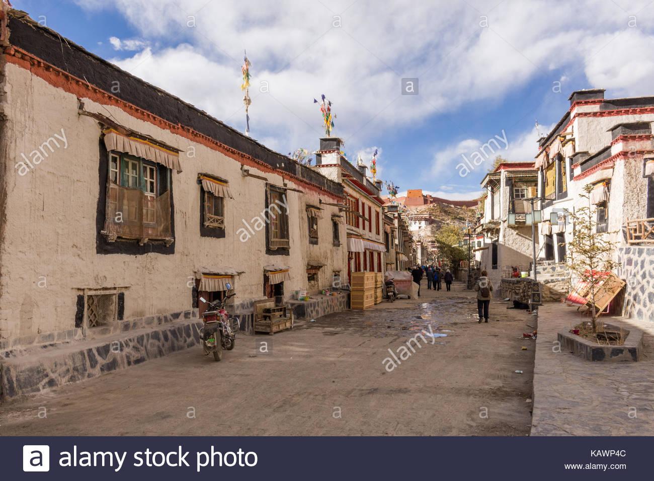 Gyantse Town sidestreet Stock Photo