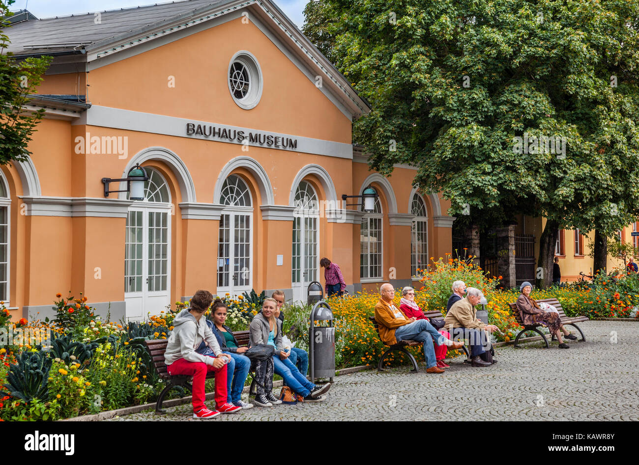 Germany, Thuringia, Weimar, Theaterplatz, view of the Bauhaus Museum dedicated to the architectural style of Bauhaus - Stock Image