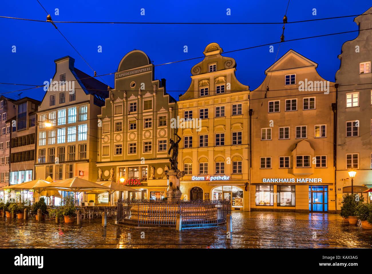 Night view of Maximilianstrasse, Augsburg, Bavaria, Germany - Stock Image