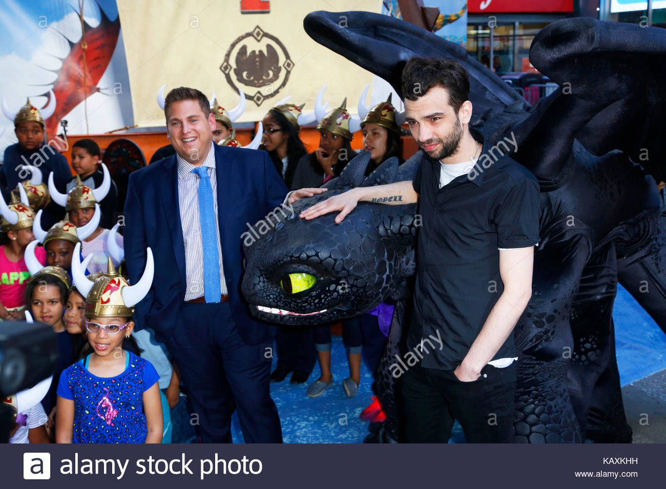 Jonah hill and jay baruchel how to train your dragon 2 photocall jonah hill and jay baruchel how to train your dragon 2 photocall with jonah hill and jay baruchel in nyc ccuart Gallery