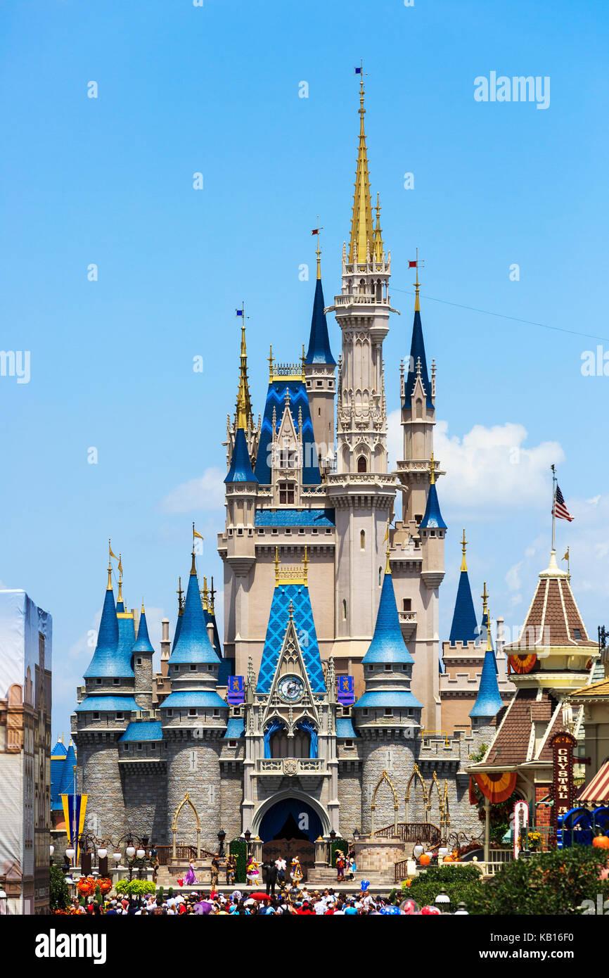 Walt Disney's Magic Kingdom theme park, showing the fairytale castle, Orlando, Florida, USA - Stock Image