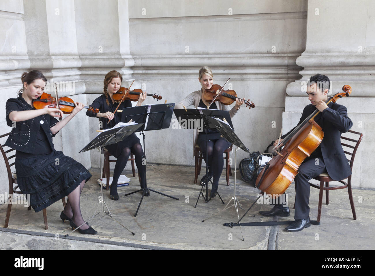 England, London, The city, royal Exchange, musician, classical music, - Stock Image
