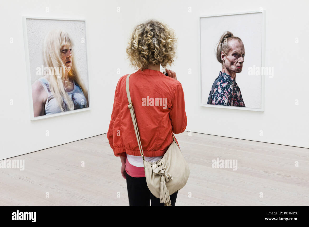 England, London, Chelsea, Saatchi Gallery, interior shot, patterns not for sale, pictures, guest, - Stock Image