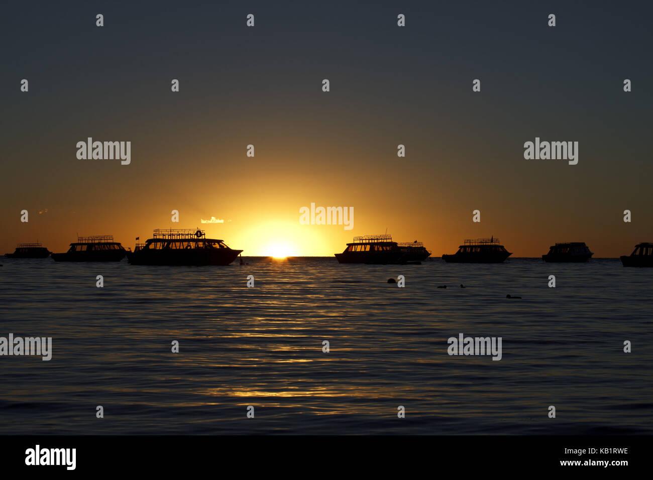 Bolivia, Titicacasee, Copacabana, sundown, boats, - Stock Image
