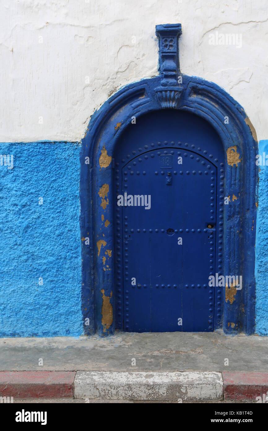 blaue Türe tor in Rabbat Marokko - Stock Image