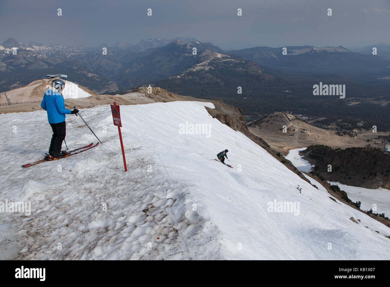 Skiers at Mammoth Mountain, August 4, 2017. Due to heavy winter precipitation, Mammoth Mountain remained open for - Stock Image