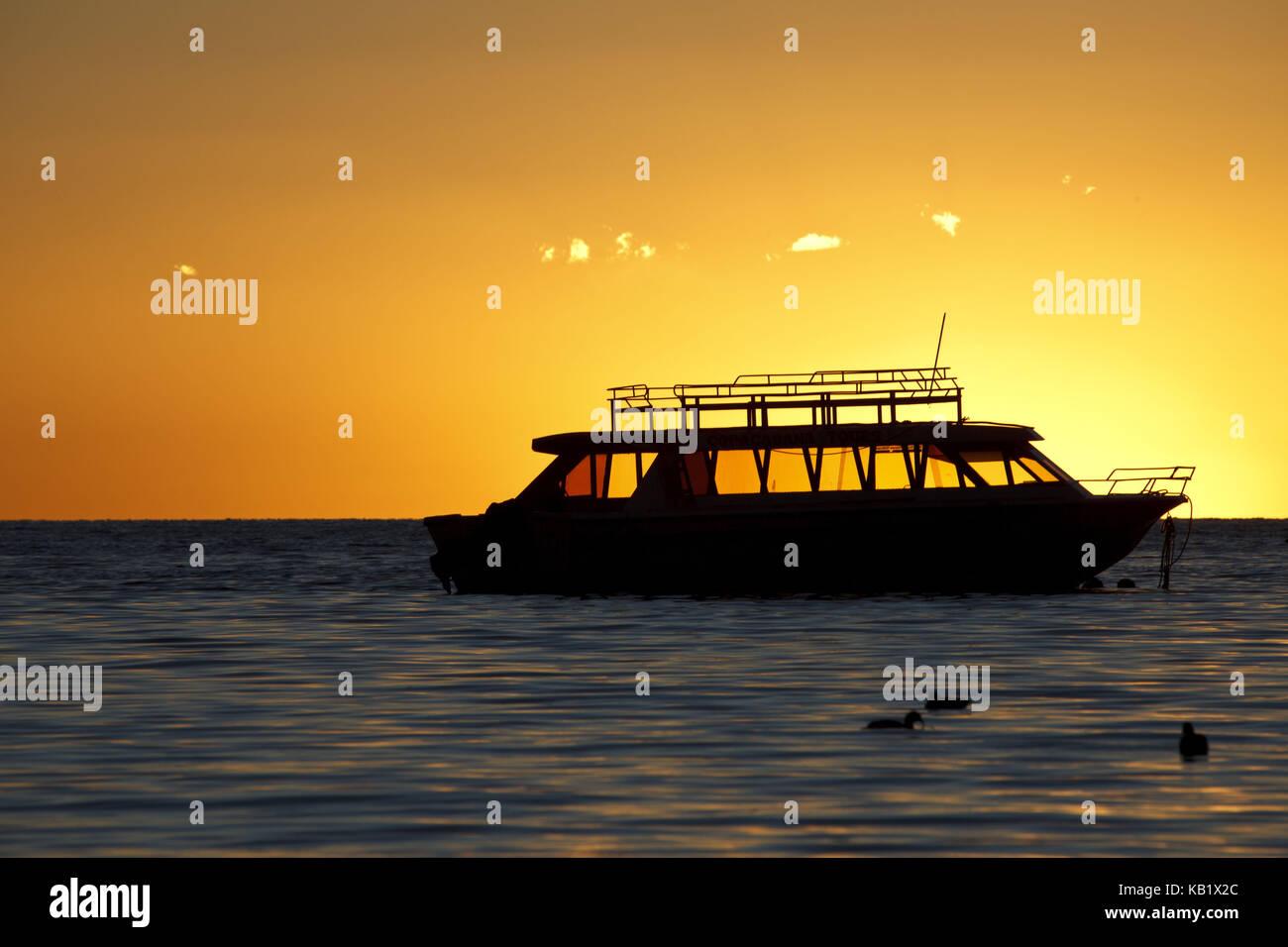 Bolivia, Titicacasee, Copacabana, sundown, Boat, - Stock Image