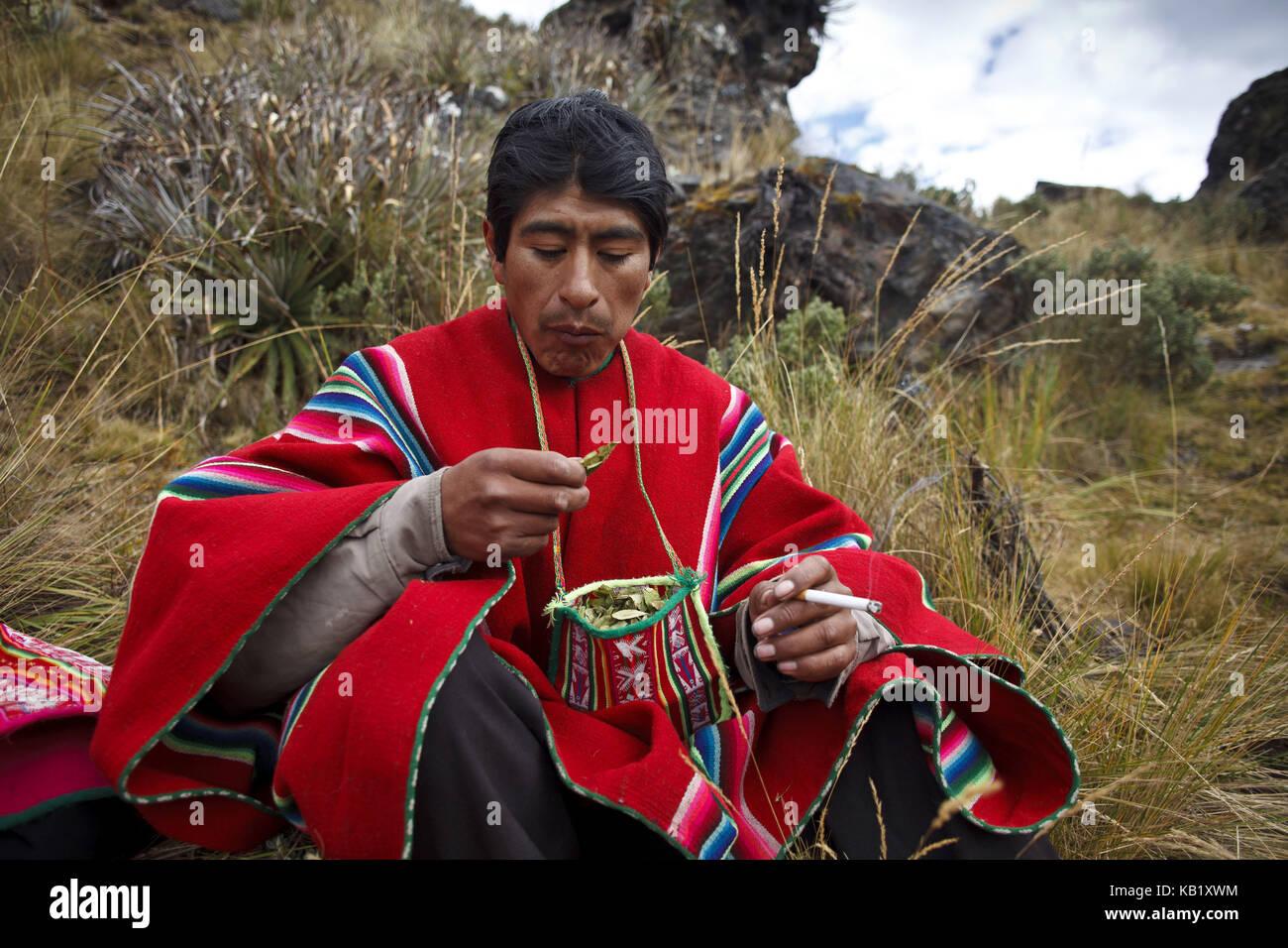 Bolivia, Cordillera Apolobamba, Kallawaya, ceremony, healer, traditional costume, - Stock Image