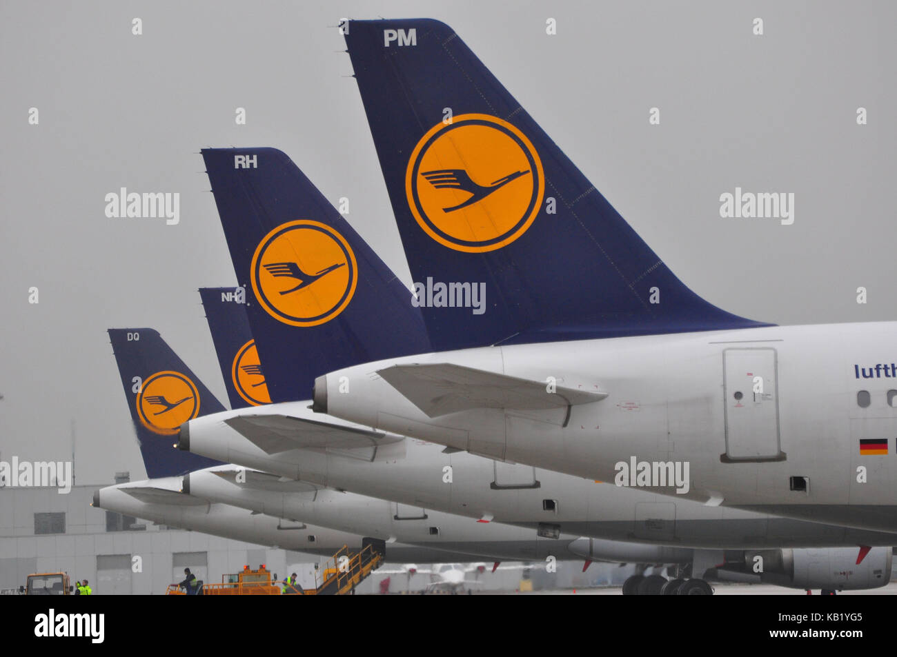 Civil aviation, air liners, runway, rear, park position, - Stock Image