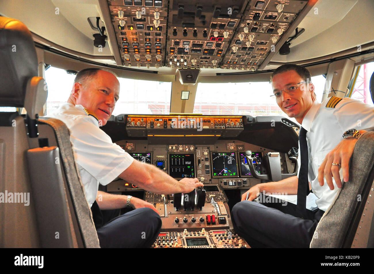 Civil aviation, air liner, cockpit, pilot, Copilot, - Stock Image