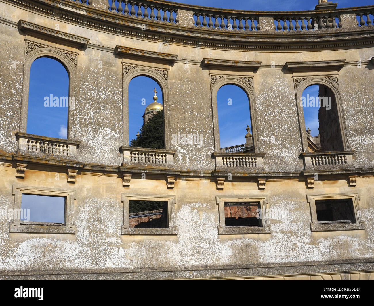 Witley Court stately home in a glorious parkland setting with extraordinary Perseus and Andromeda water fountain - Stock Image