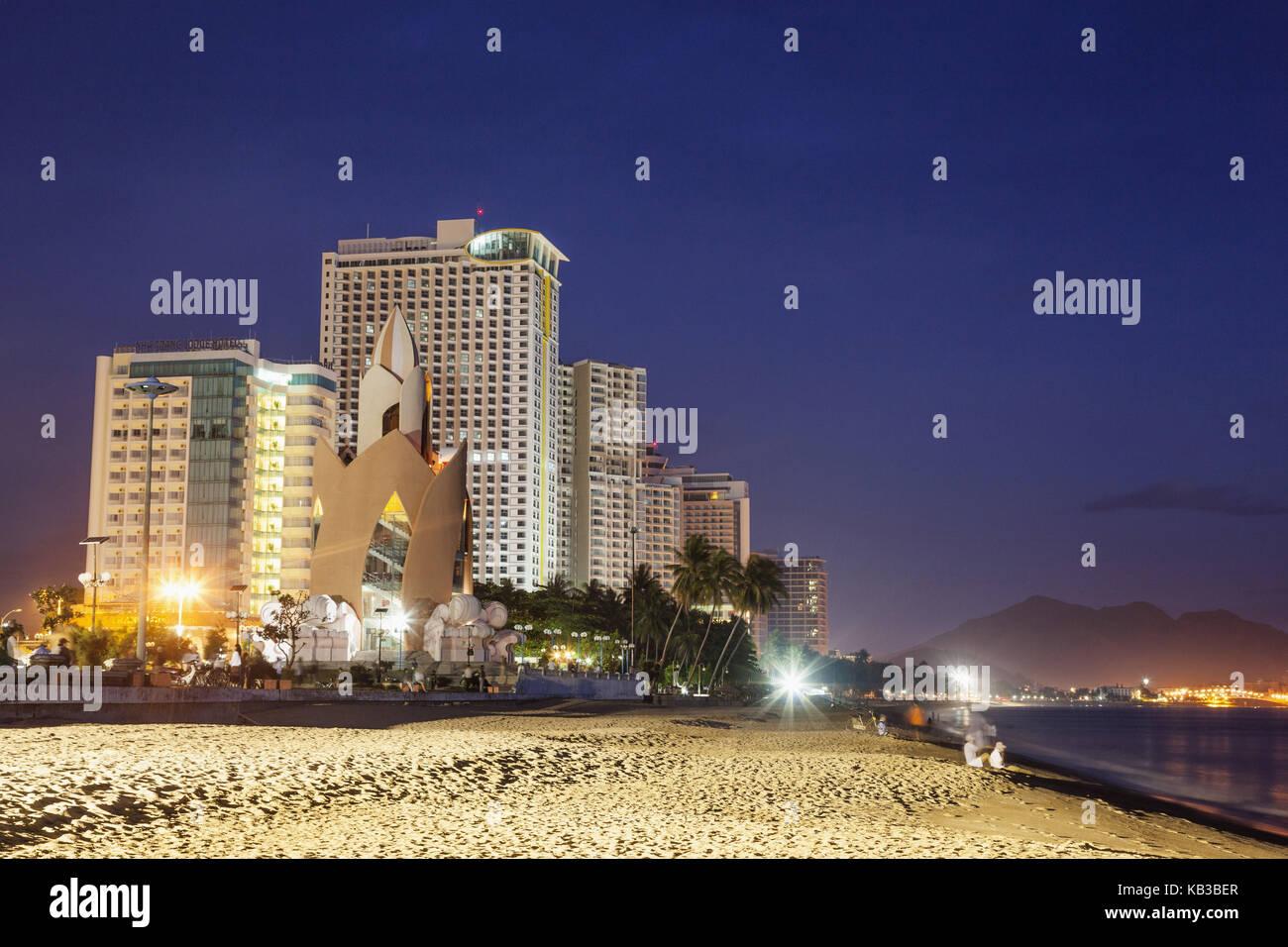Vietnam, Nha Trang, townscape, beach, evening, - Stock Image