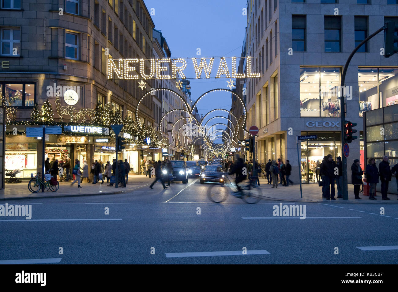 Germany, Hamburg, view of the Jungfernstieg in the new rampart, shopping street, Christmas decoration, dusk, Europe, - Stock Image