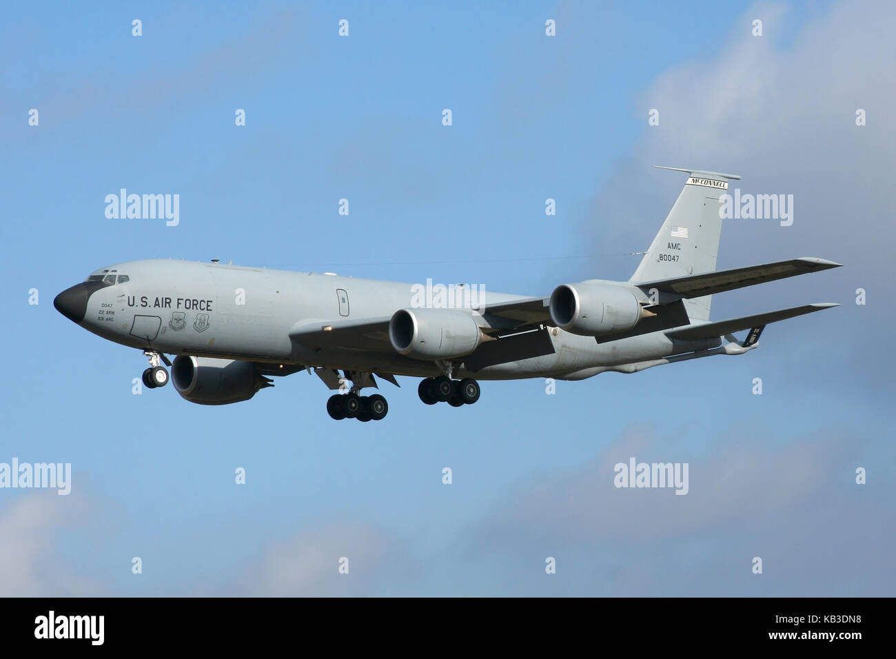 Boeing KC-135R Stratotankers from the 22nd Air Refuelling Wing at McConnell AFB are frequent visitors to RAF Mildenhall. - Stock Image