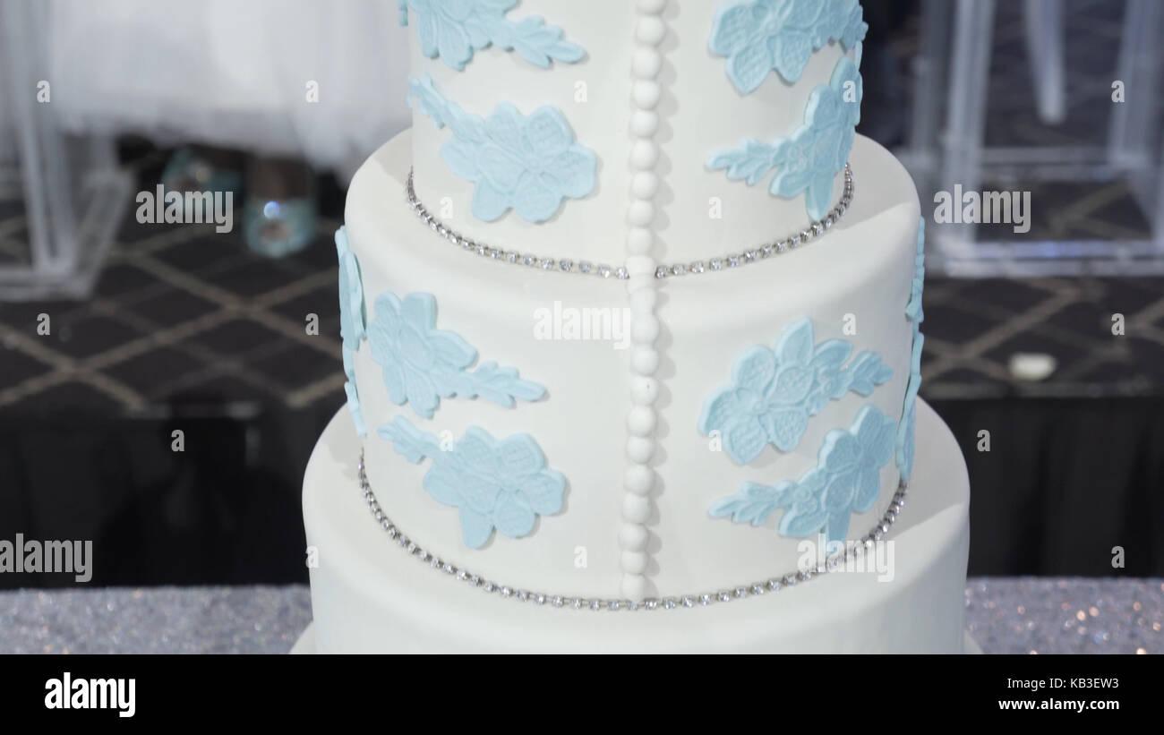 Fruitcake Wedding Cake Stock Photos & Fruitcake Wedding Cake Stock ...