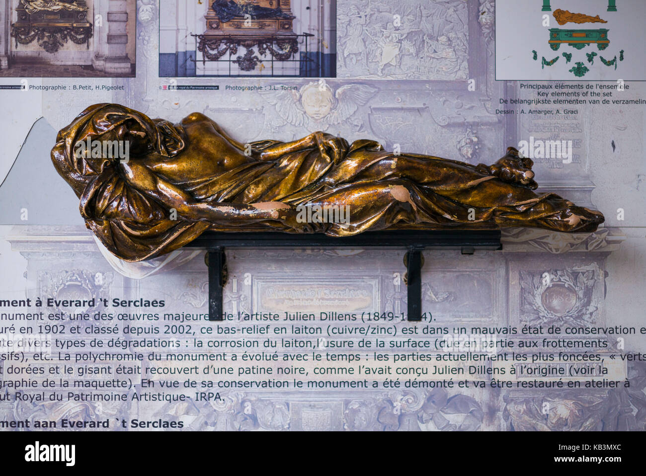Belgium, Brussels, Grand Place, bronze statue of Everard 't Serclaes, city hero died in 1388, rubbing the statue - Stock Image