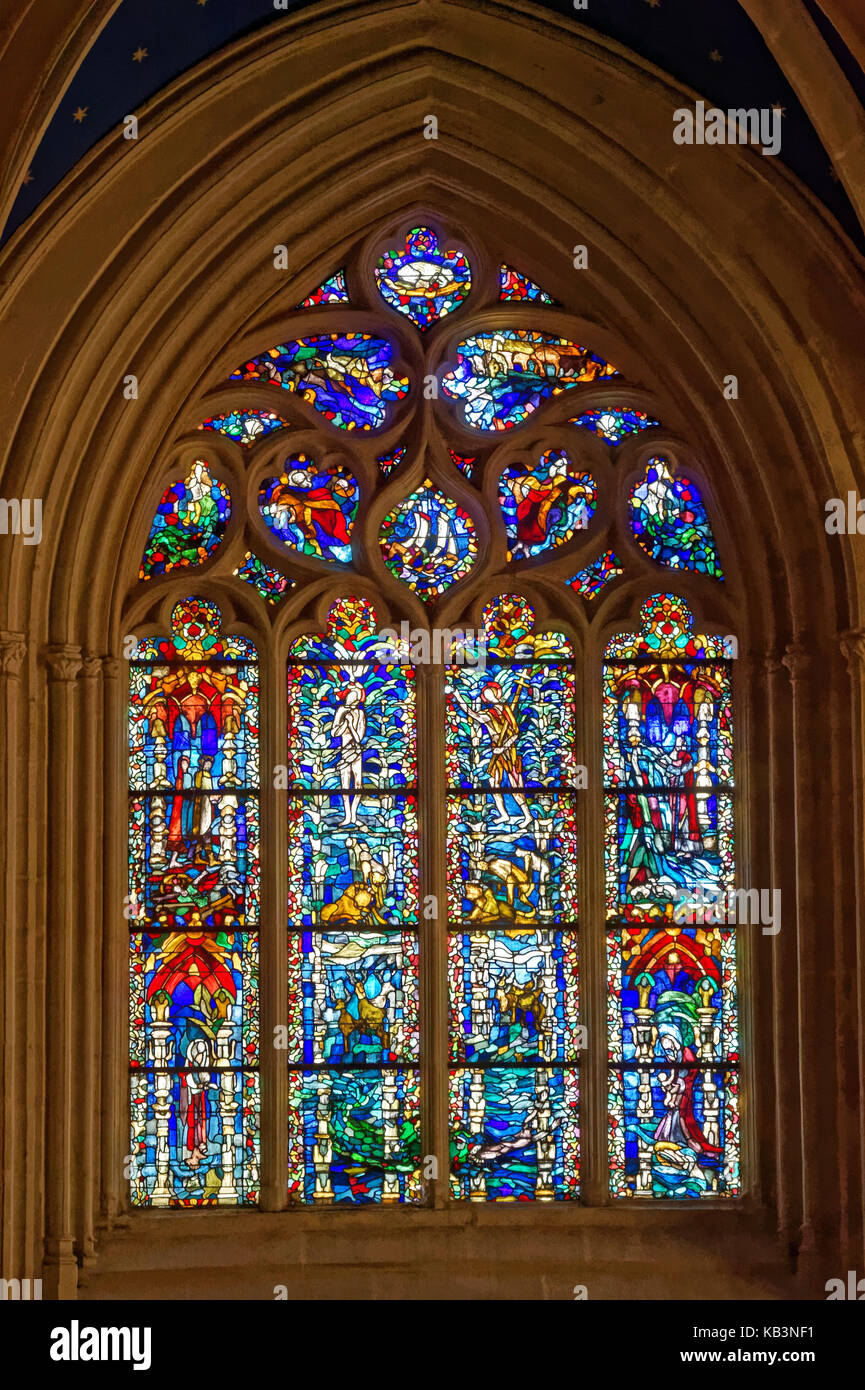 France, Finistere, Quimper, Saint Corentin Cathedral, the Baptismal font chapell, the stained glass of the baptism - Stock Image