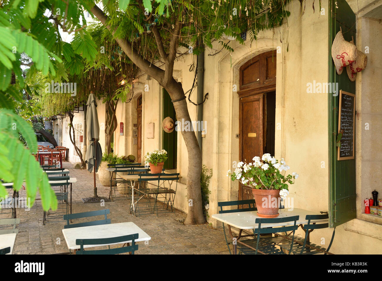 France, Gard, Aigues-Mortes, inside the medieval city, pedestrianized street - Stock Image