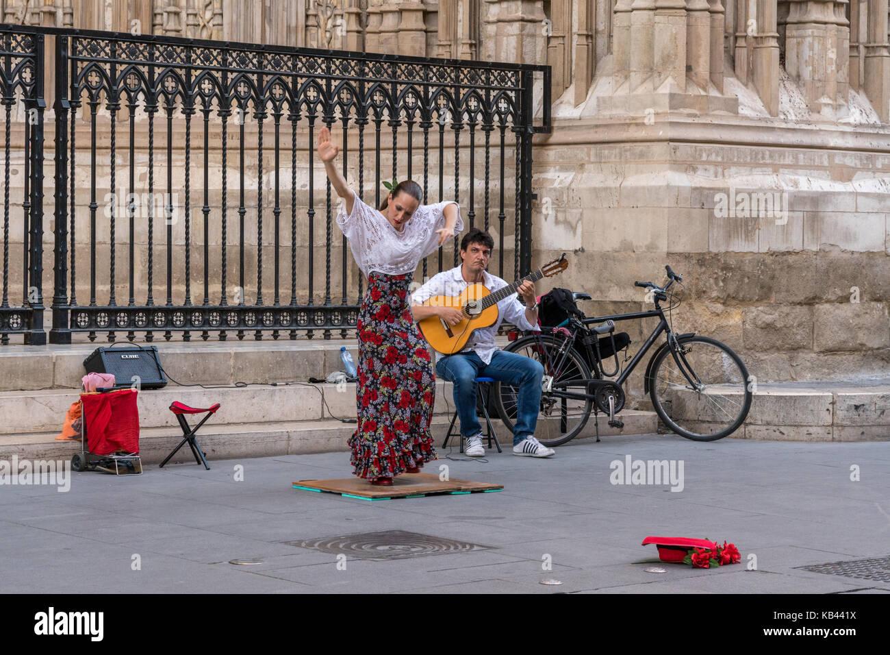 Street artists in Seville, Spain - Stock Image