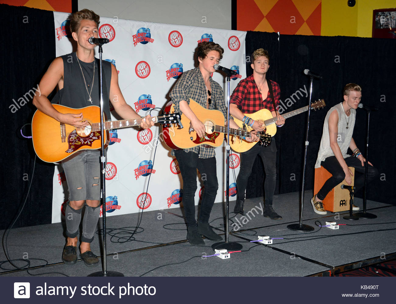 The Vamps James Mcvey Connor Ball Bradley Simpson And Tristan