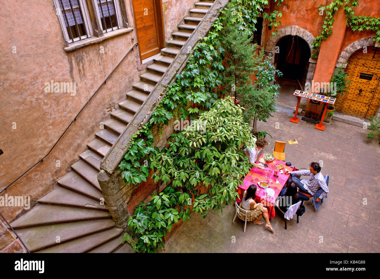 Courtyard in the old Lyon - Stock Image
