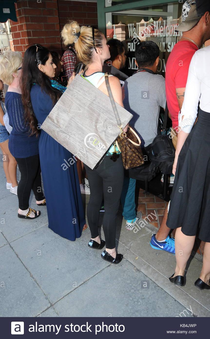 Kim Kardashian. Kim Kardashian exits nail salon in Beverly Hills and ...